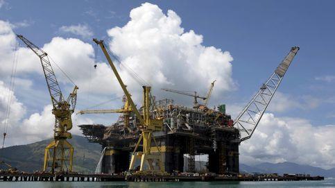 El precio del crudo profundiza en mínimos anuales tras el informe de la OPEP