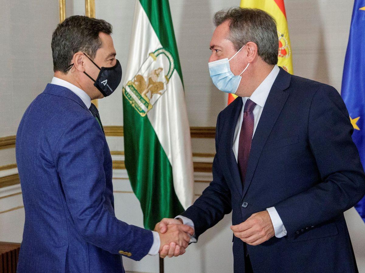 Foto: El presidente de la Junta de Andalucía, Juanma Moreno, y el líder del PSOE-A, Juan Espadas. (EFE)