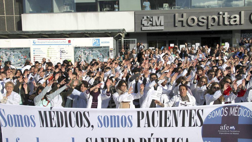 Foto: Imagen de archivo de una huelga de médicos. (EFE)