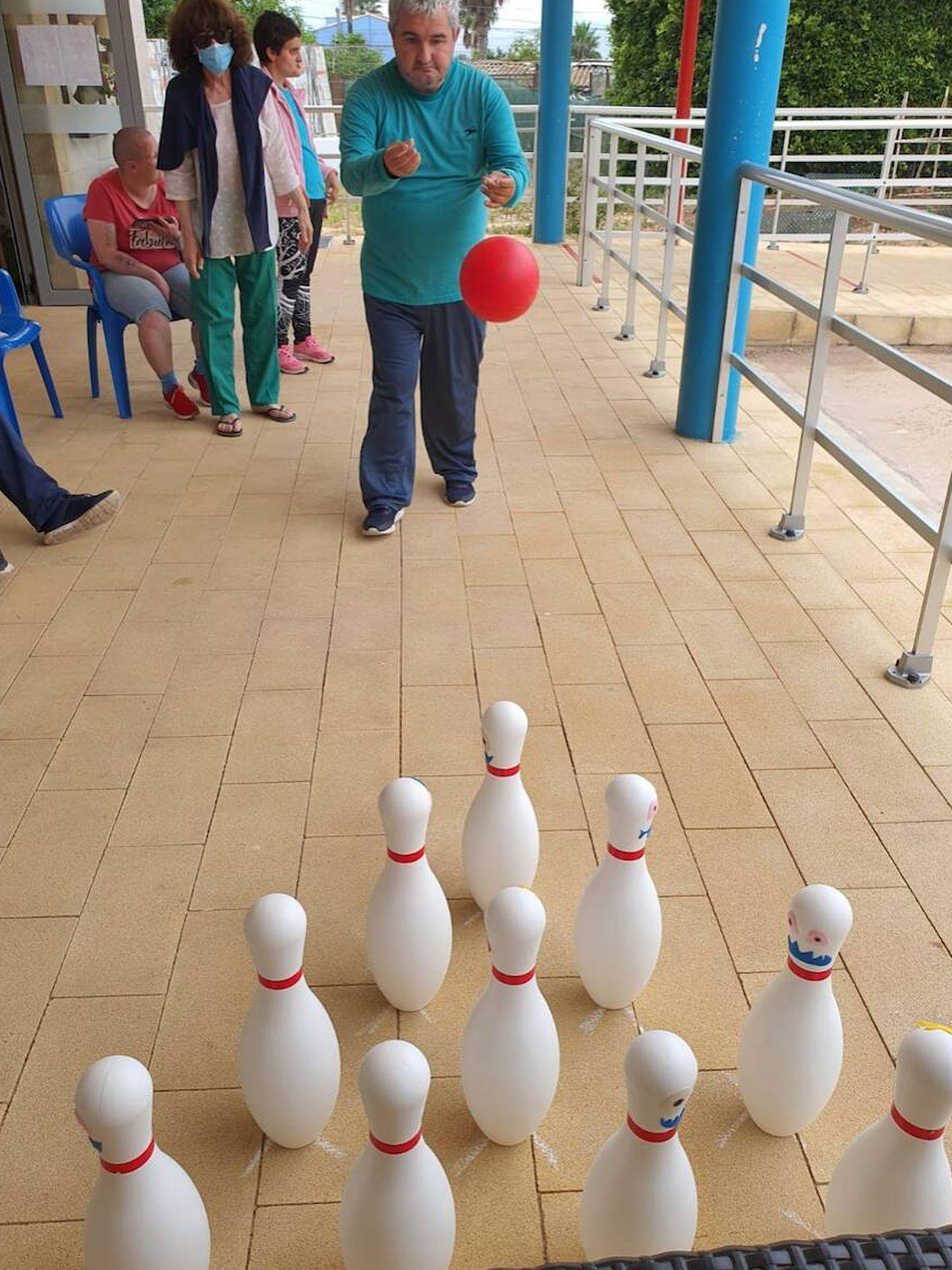 Usuarios del centro de discapacitados La Xara, de Denia.