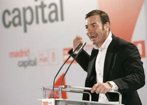 Tomás Gómez mete presión a Rodrigo Rato la víspera de un día clave para Caja Madrid