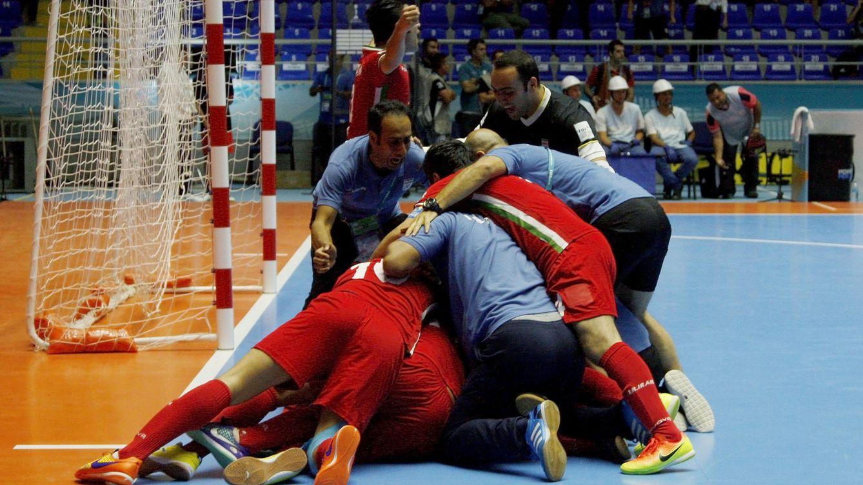 España no falla mientras Irán firma un triunfo histórico ante Brasil