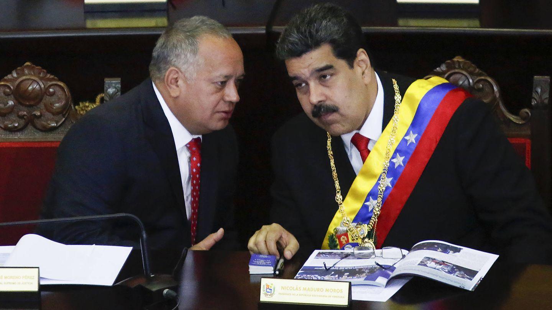 Diosdado Cabello junto a Nicolás Maduro. (Getty)