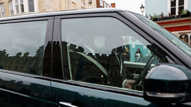 El príncipe Andrés, saliendo de Windsor. (Reuters)