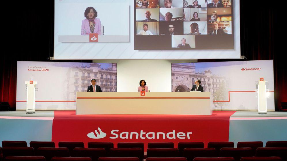 Foto: Ana Botín en la última junta de accionistas. (Efe)