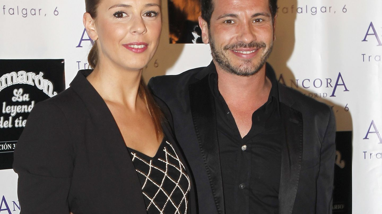 El cantante David de María junto a Lola Escobedo. (Gtres)