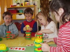 Los niños deben trabajar más con las manos por la salud de su cerebro