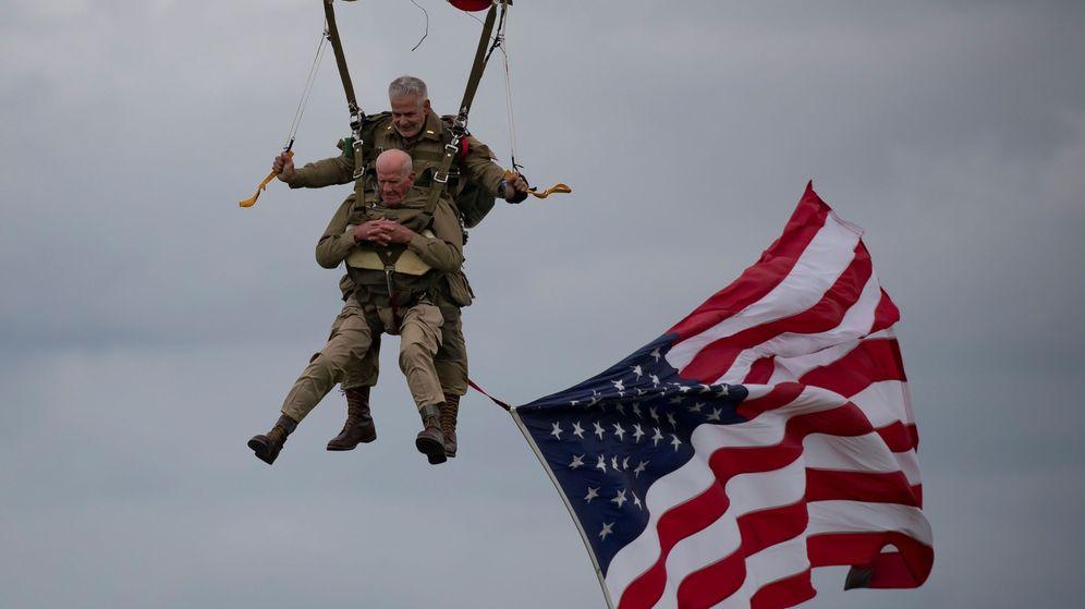 Foto: Tom Rice completó un salto en paracaídas a sus 97 años en la celebración del 75 aniversario del desembarco aliado