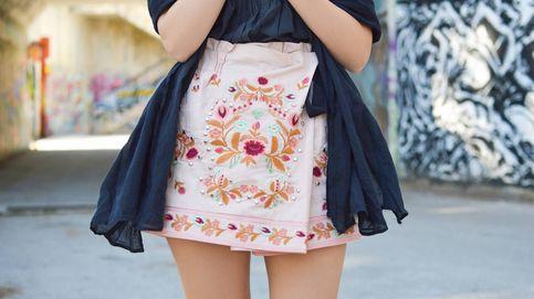 Esta falda de Zara te hará lucir más delgada, superelegante y trendy