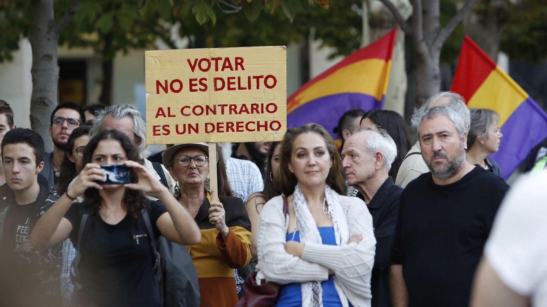 Tensión en el inicio de la manifestación en Madrid por el derecho a decidir