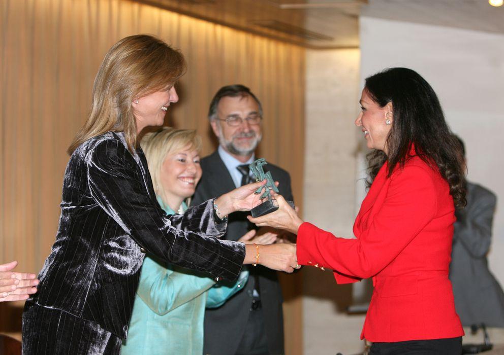 Foto: La infanta Cristina entrega un premio Imserso a Esther Koplowitz en 2008 (I.C.)