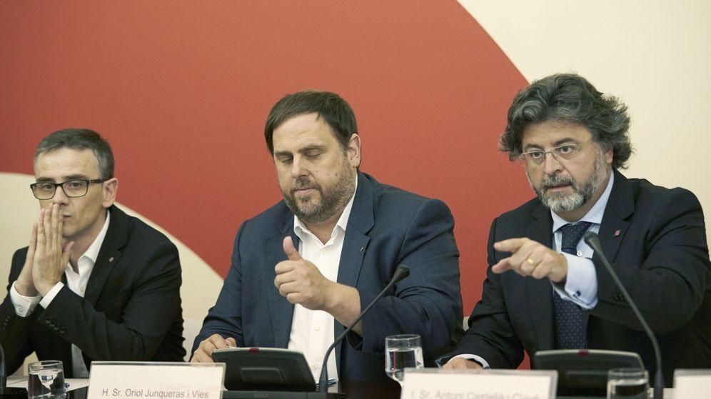 Foto: El exsecretario general de Vicepresidencia y Economía de la Generalitat Josep María Jové y el exvicepresidente del Govern Oriol Junqueras. (EFE)