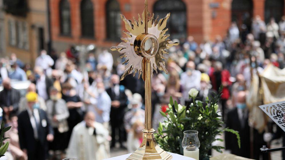 Foto: Celebración del Corpus Christi en Varsovia. (EFE)