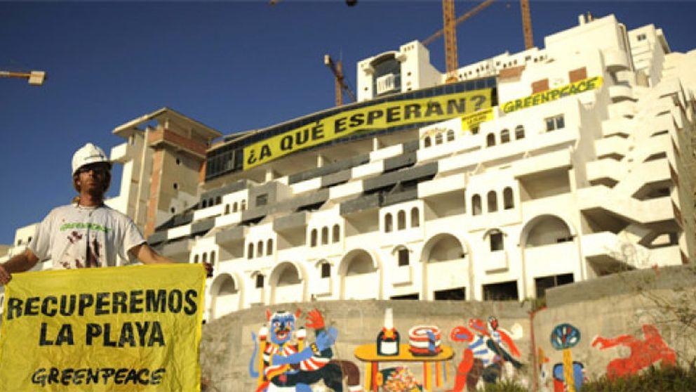 La Junta de Andalucía reabre la 'guerra' de la playa contra Cañete