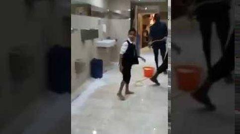 Mané, de marcar goles con el Liverpool a limpiar mezquitas