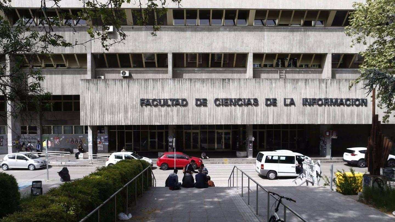 Fachada principal de la Facultad de Ciencias de la Información de la Complutense. (EC)