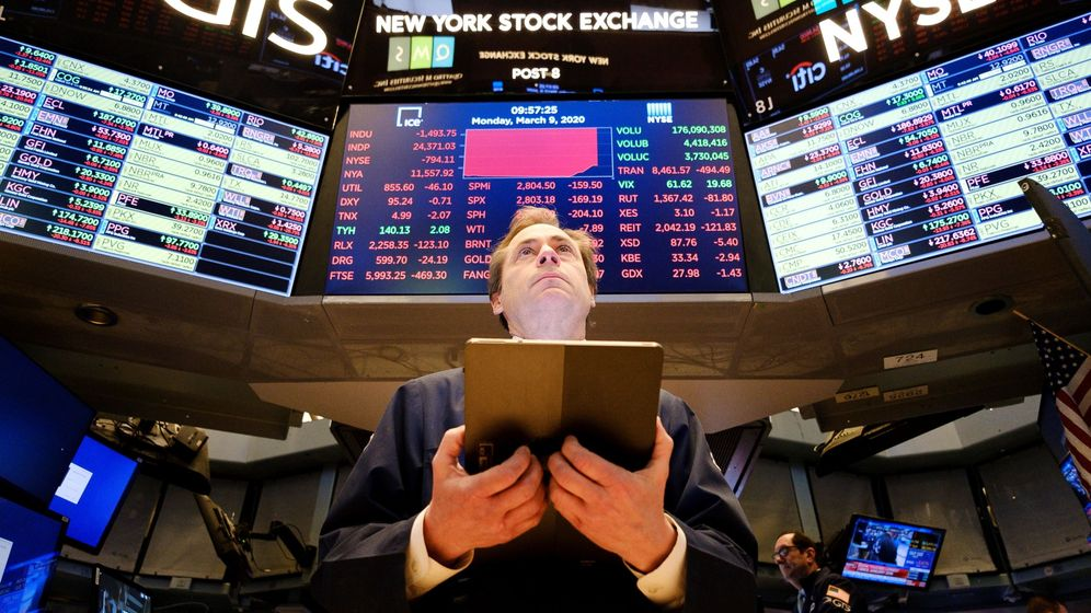 Foto: Un operador en la Bolsa de Nueva York. (EFE)