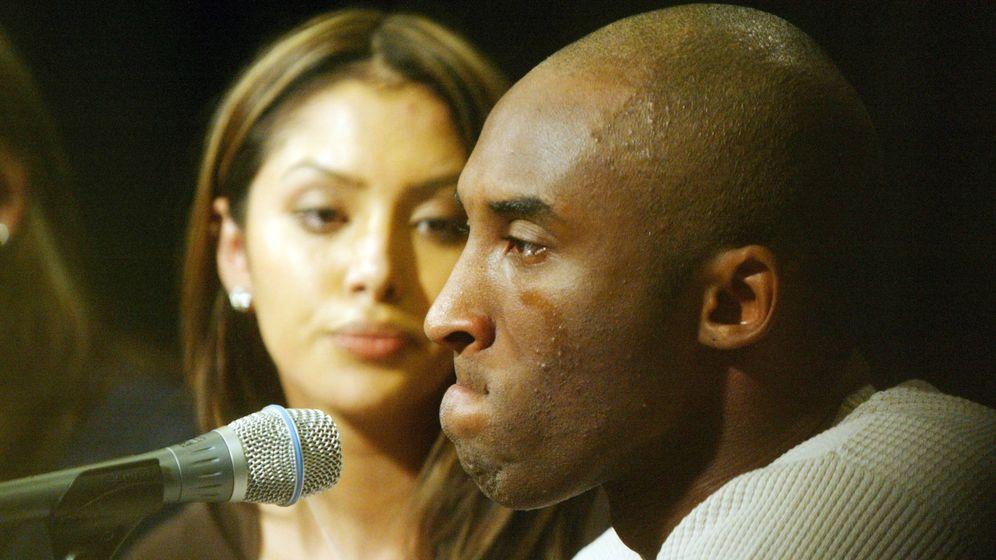 Foto: Kobe, con su mujer Vanessa. (Getty)