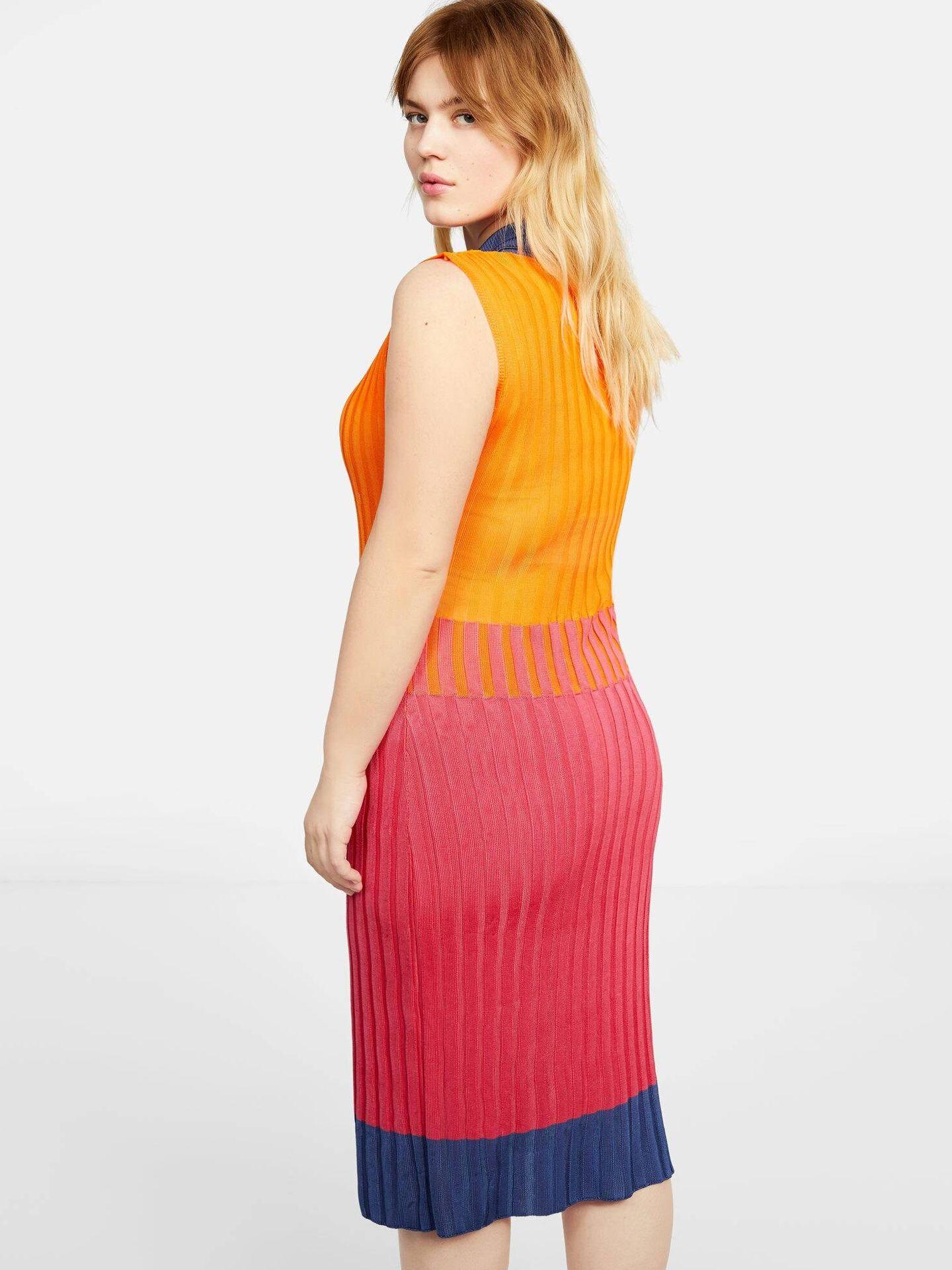 Vestido de Violeta en Mango Outlet. (Cortesía)