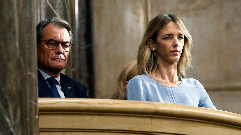 Artur Mas junto a Cayetana Álvarez de Toledo. (EFE)