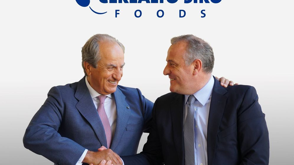 Foto: Juan Manuel González Serna, presidente del grupo Siro, y Luis Ángel López, presidente de Cerealto. (Europa Press)