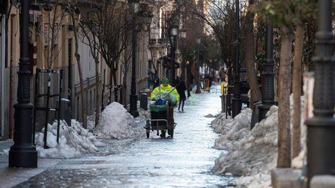 Madrid calcula que la retirada de nieve y hielo terminará mañana o el fin de semana