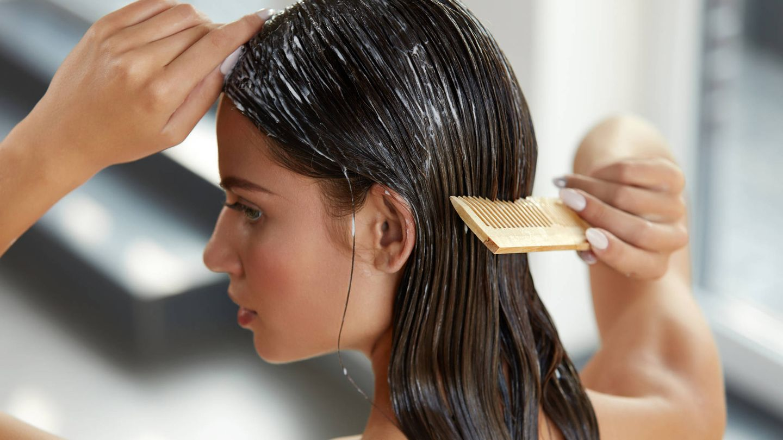 Lo puedes usar como acondicionador, mascarilla o bálsamo de peinar. (IStock)