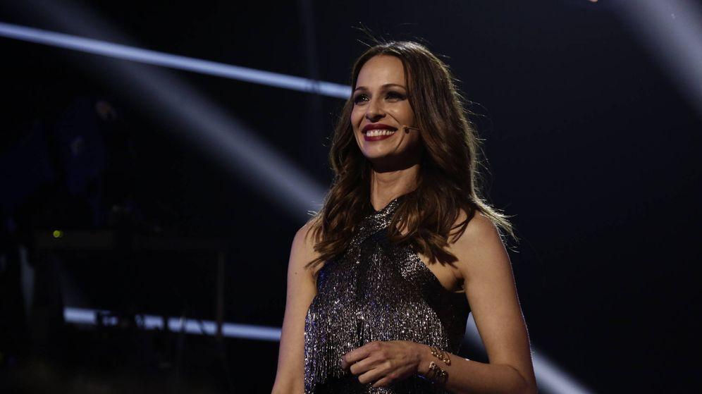 Foto: Eva González brilló como nunca con este vestido de Santos Costura. (Antena 3)