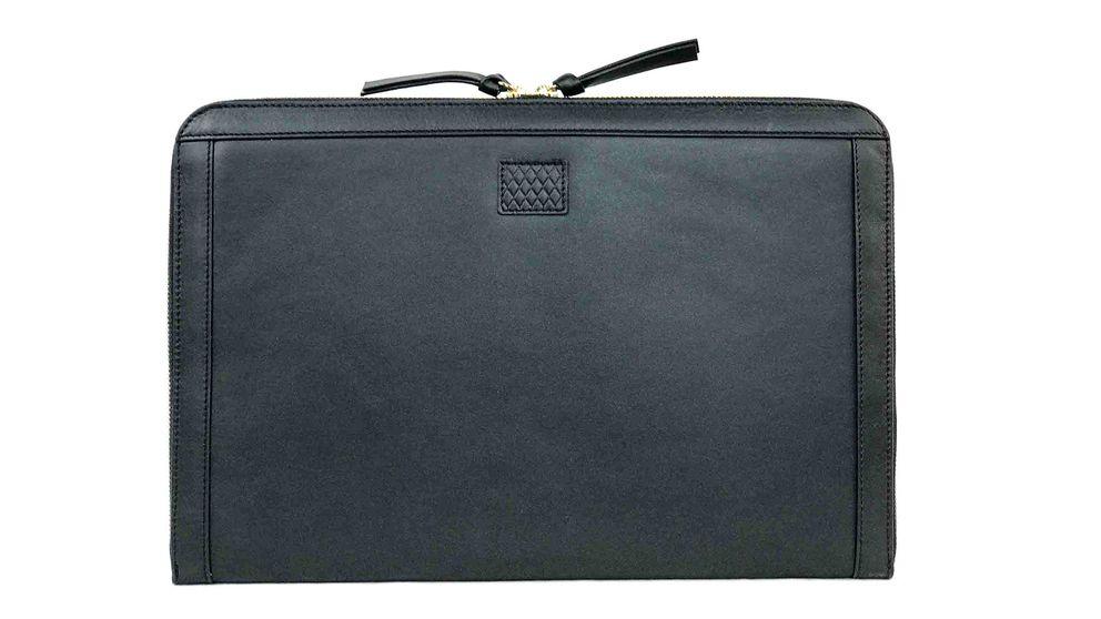 Las maletas de entretiempo, en piel negra