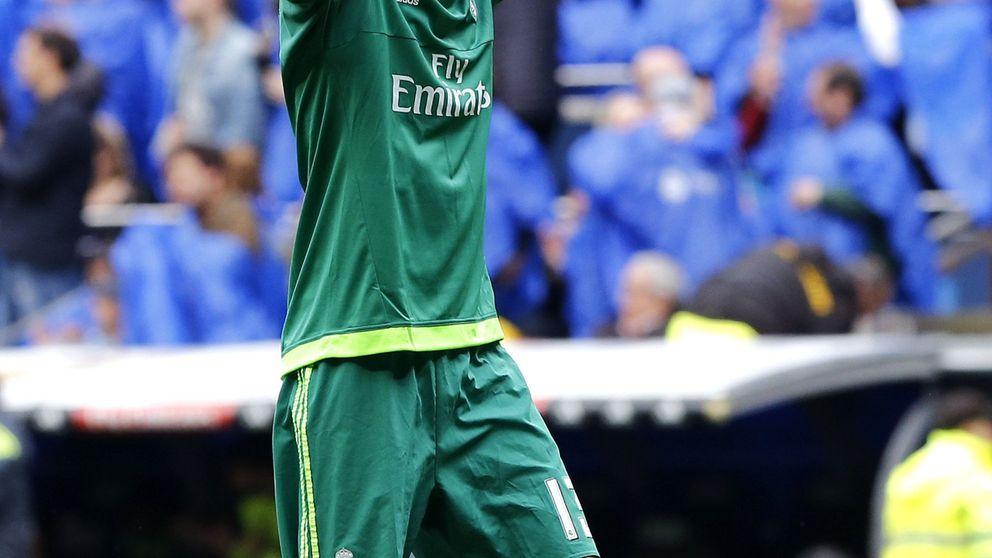 El Real Madrid no permite a Kiko Casilla responder a un periodista en catalán