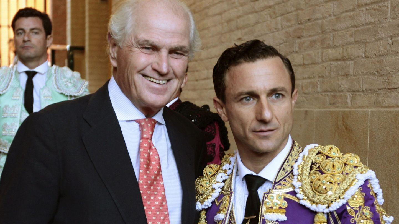 El diestro Rafaelillo y Ramón Calderón. (EFE)