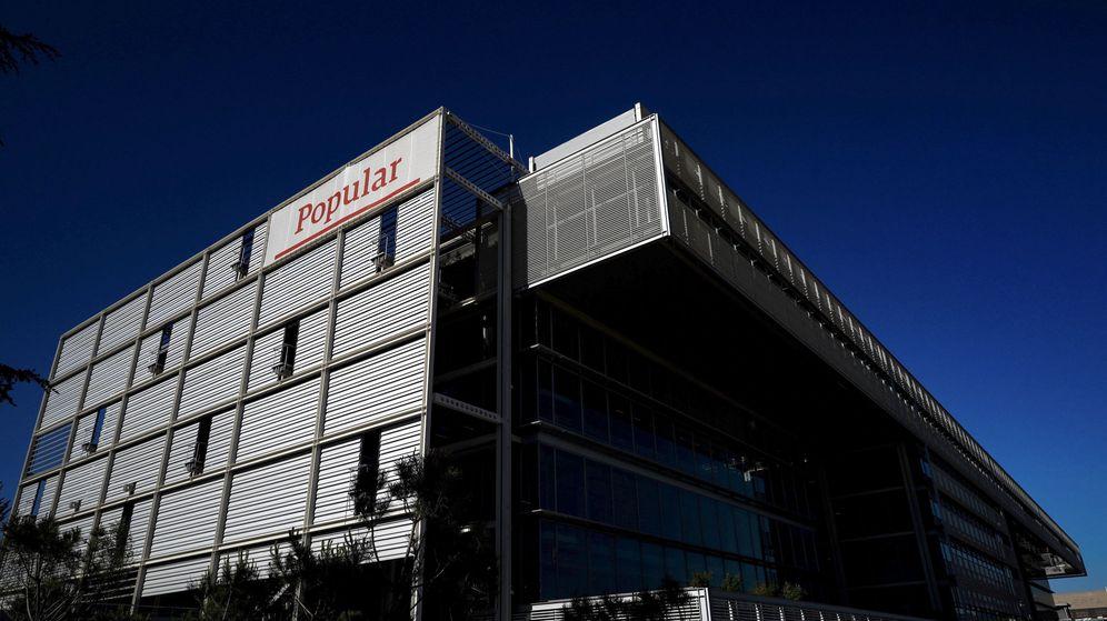 Foto: Vista de la fachada de la nueva sede del Banco Popular en el madrileño barrio de San Blas. (EFE)