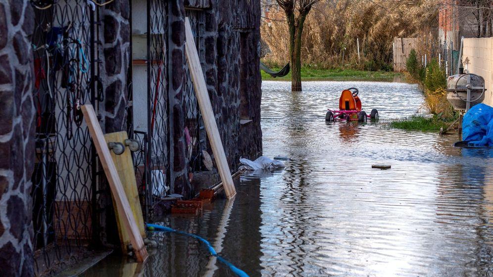 Foto: El municipio de Yeles (Toledo), localidad en la que una veintena de personas han tenido que ser evacuadas por al desbordamiento del arroyo Guatén. (EFE)