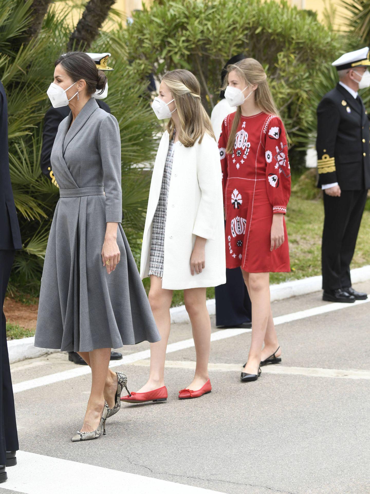 La reina Letizia, la princesa Leonor y la infanta Sofía en Cartagena. (Limited Pictures)