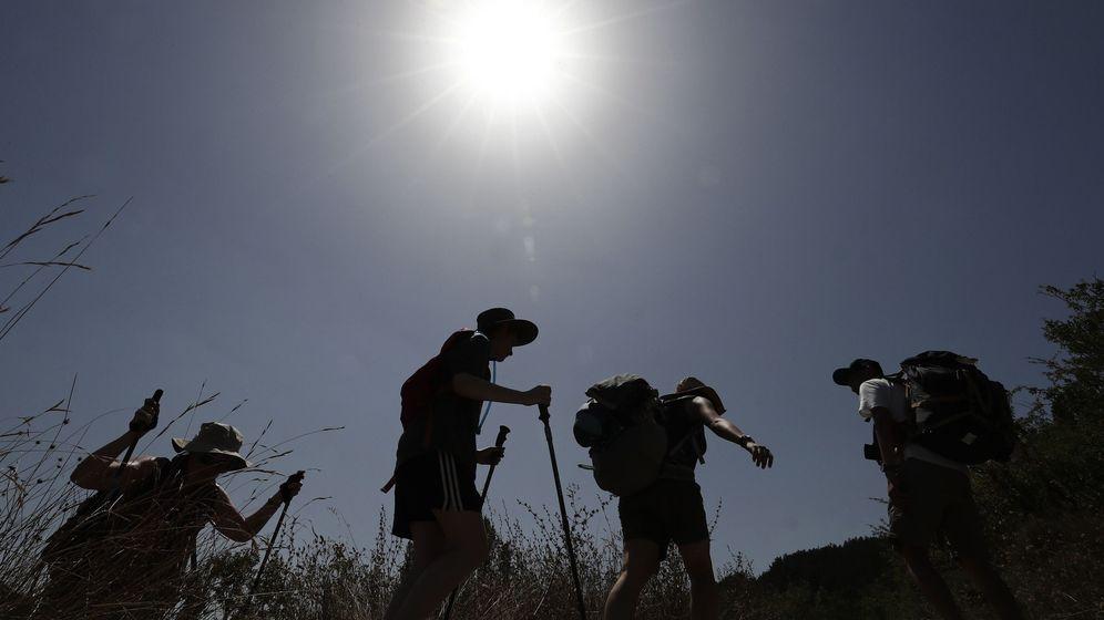 Foto: Peregrino durante el Camino de Santiago (Efe)
