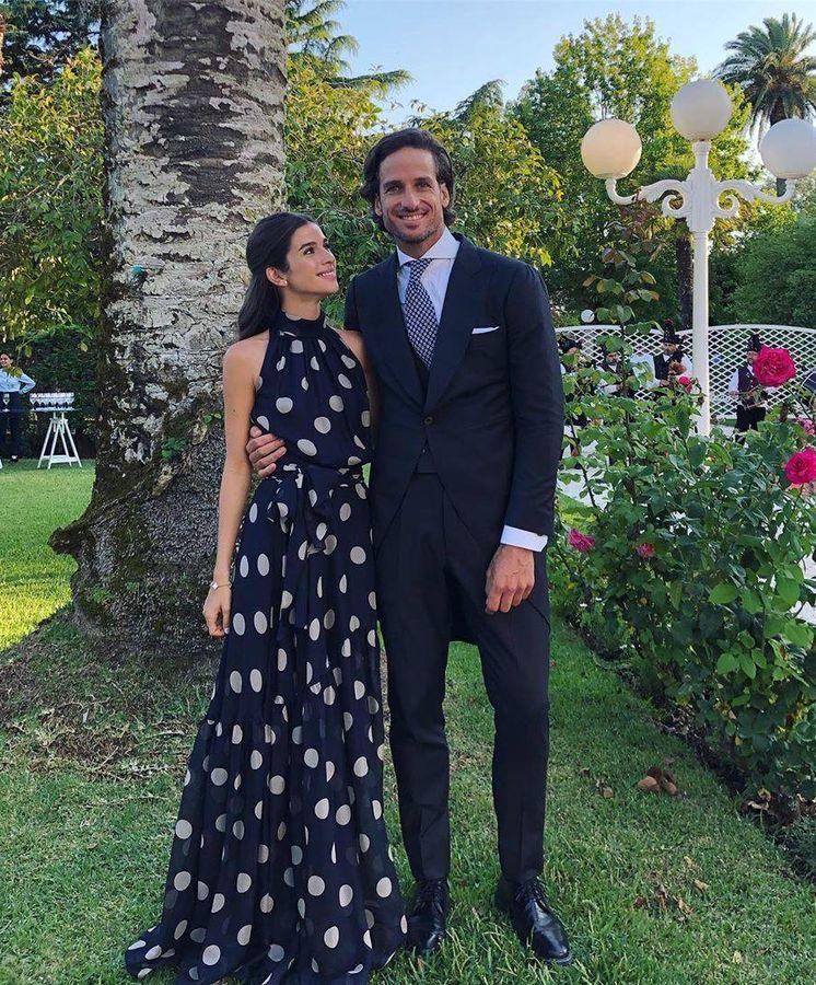 Foto: Sandra Gago y Feliciano López, en una boda como invitados. (Redes)