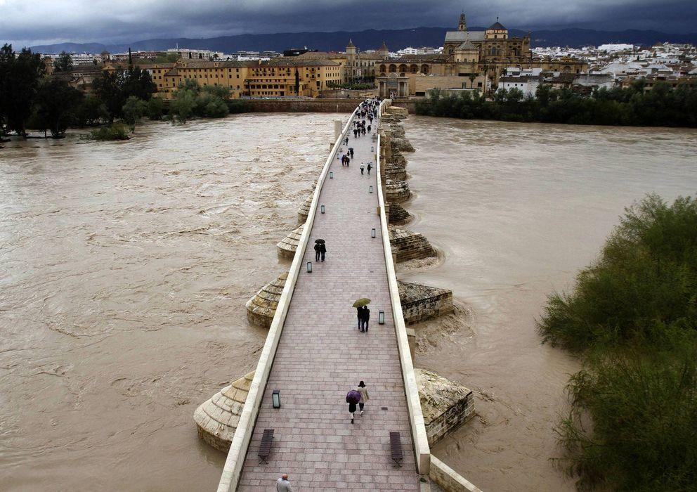 Foto: Puente romano de Córdoba sobre el Guadalquivir. (Efe)