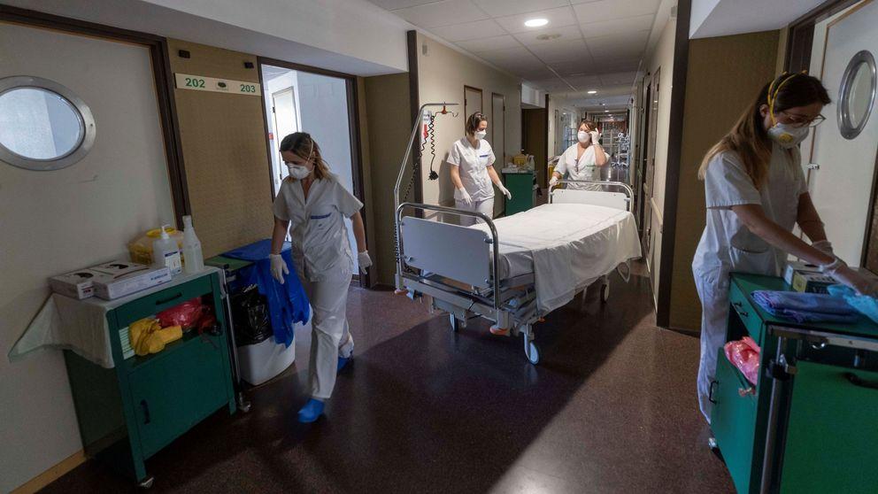 Andalucía indigna a sus sanitarios al aplazar parte de la paga de productividad por el covid