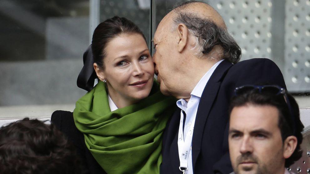 La mujer del marqués de Griñón ejerce de 'señora de la casa' con el Rey emérito