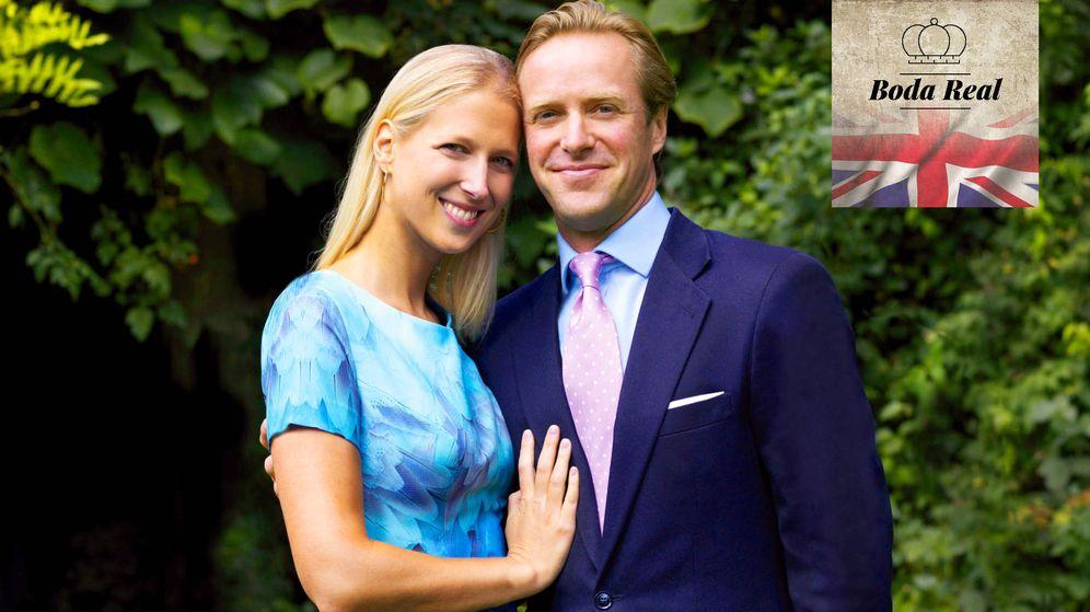 Foto:  Lady Gabriella Windsor con su futuro marido, Thomas Kingston. (Buckingham Palace)