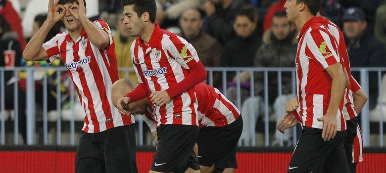 Foto: San José celebra tras marcar un tanto ante el Málaga (Efe).