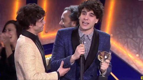 Javier Calvo rompe a llorar en su reivindicativo discurso en los Premios Feroz