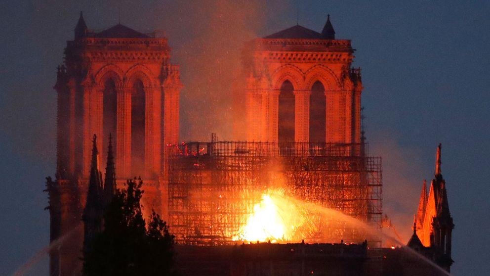 Macron promete reconstruir Notre Dame entre todos y ya se recaudan fondos