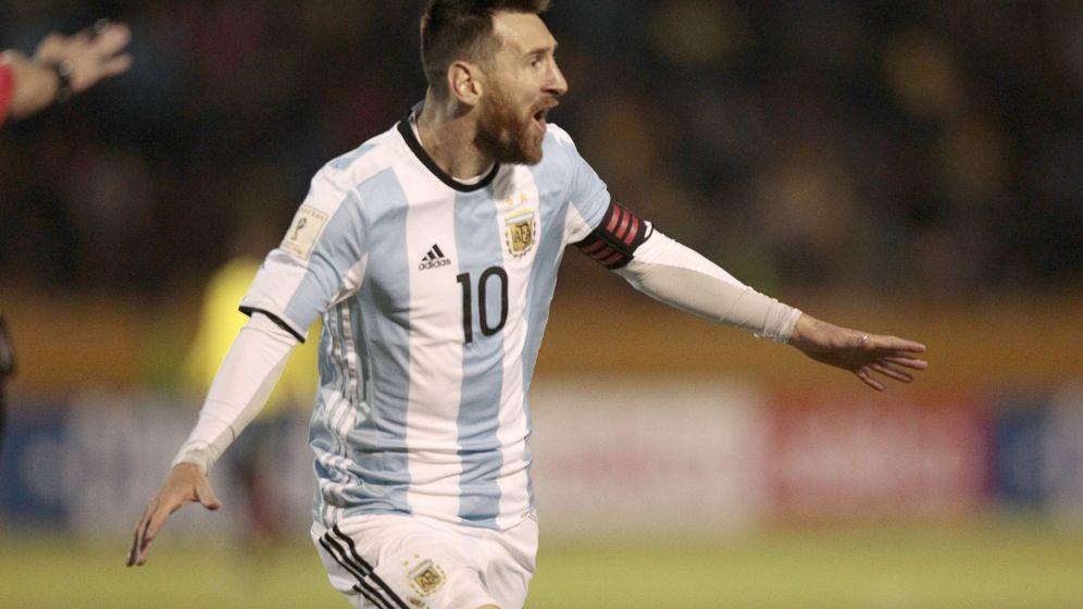 Foto: Messi celebra uno de los goles ante Ecuador. (EFE)