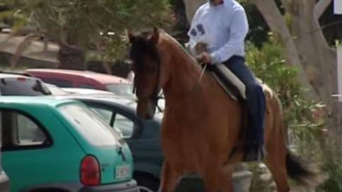 Lennon pide el voto a caballo en Telde, Gran Canaria