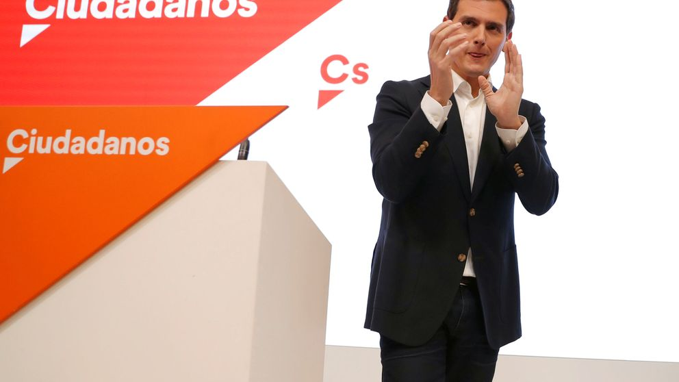 Rivera vuelve a los focos y ultima su fichaje por la agencia que lleva a Rajoy y González