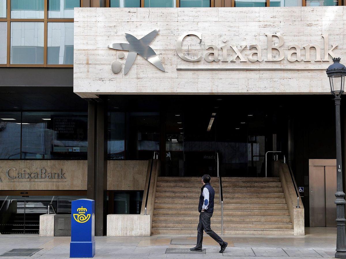 Foto: Oficina de CaixaBank en Valencia. (EFE)