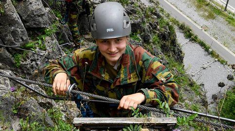 Elisabeth de Bélgica termina su curso militar (y la diferencia con Leonor y otras princesas)