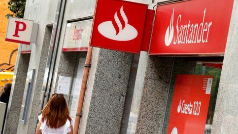 Santander y Caixa disparan los ingresos por empleado tras sus ERE