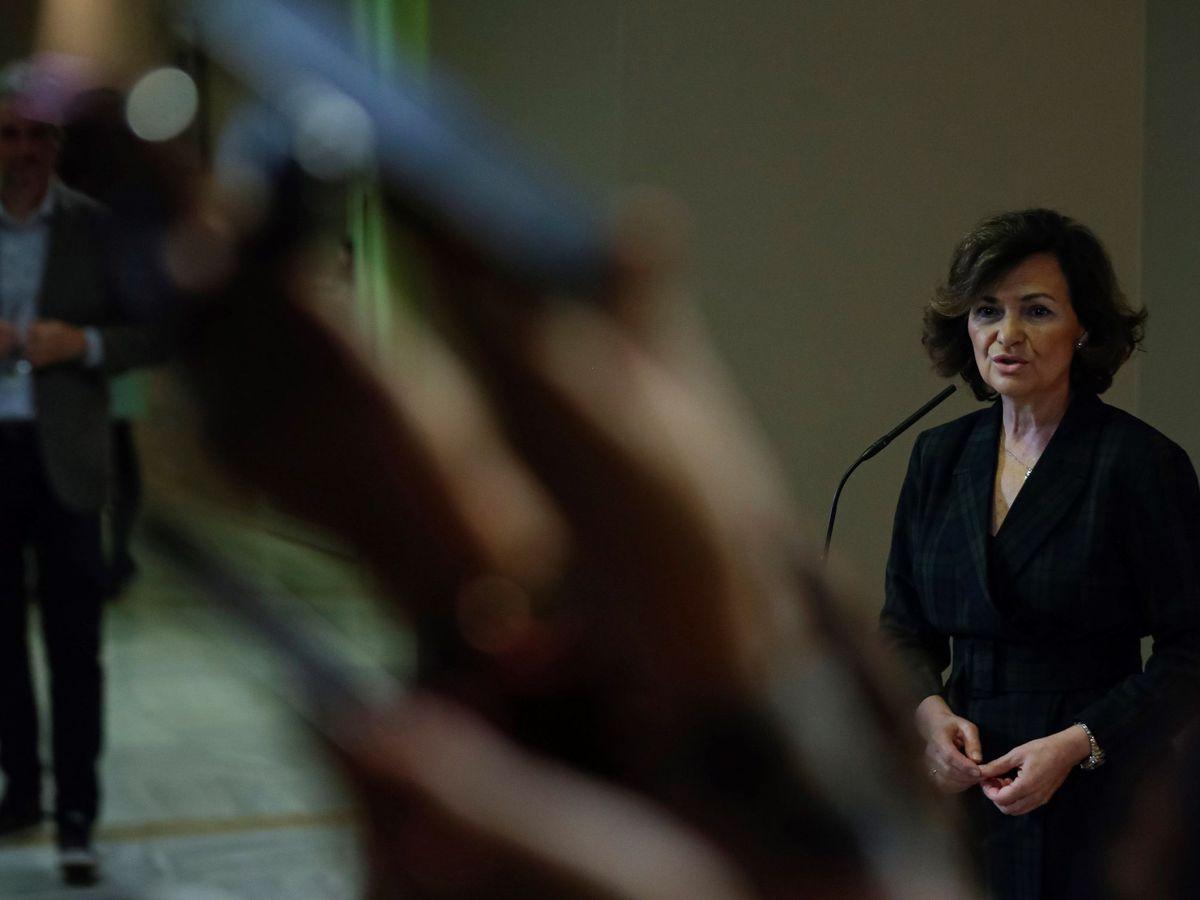 Foto: La vicepresidenta en funciones, Carmen Calvo, este 27 de noviembre tras entregar su credencial como diputada en el Congreso. (EFE)
